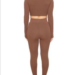 The NW leggings by Naked Wardrobe-Mocha